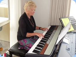 Ngaire McRae playing the Korg SP250 digital piano