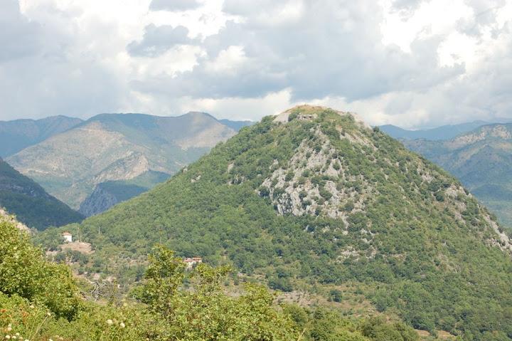 شاهدوا قمة هذا الجبل الإستراتيجي في خط ماجينو