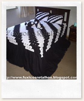 colcha-fuxico-preta-branca5