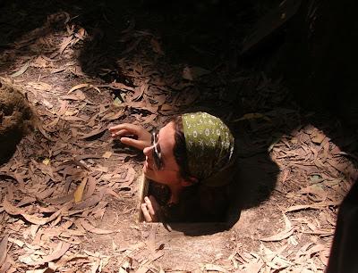 Wisata Gili on Wisata Perang Kepada Turis Yaitu Terowongan Cu Chi Di Provinsi Cu