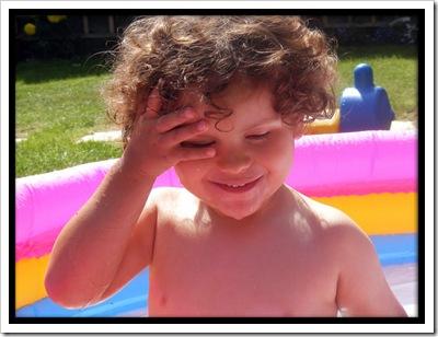 harvey_in_the_pool_by_simonruddphotos