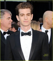 andrew-garfield-2011-oscars-red-carpet-05