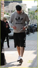 channing-tatum-adidas-medical-center-02