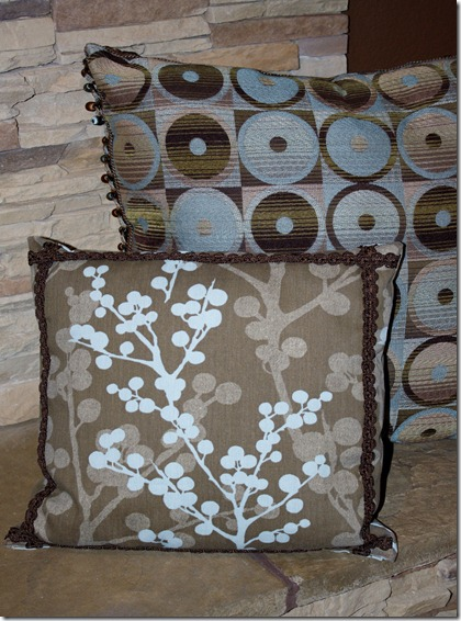 Family Room Pillows 007