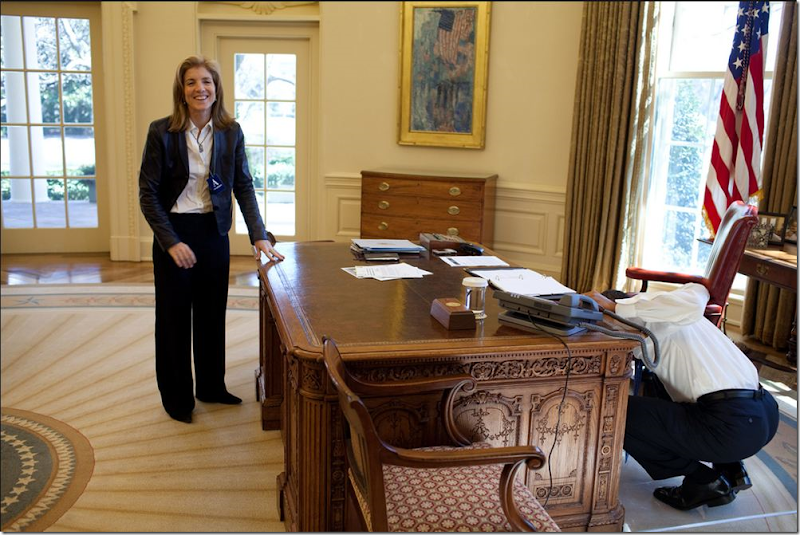 Cote de texas the oval office before after - Jfk desk oval office ...