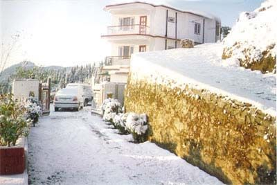 Sunrise Villa Shimla; 2N/3D Rs 4000 only including meals