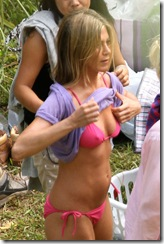 jennifer aniston bikin 2