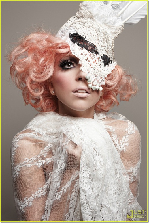 lady-gaga-944-magazine-cover-and-spread-03