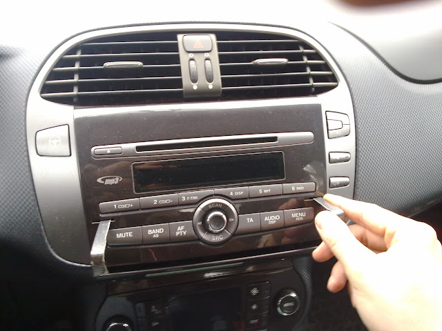 Technical Fitting Aux In The Fiat Forum