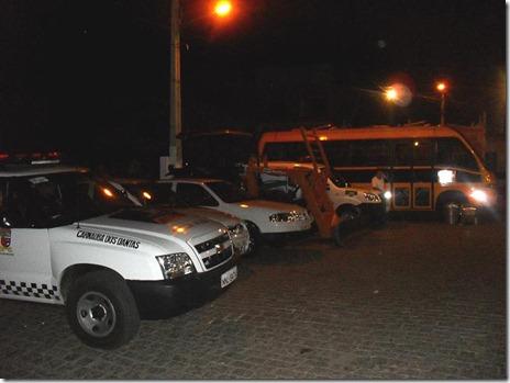 6 carros sao entregues pelo prefeito