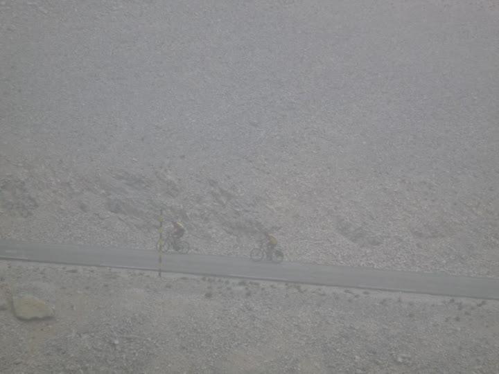 Stèle cyclotouristes Ventoux par Pierre