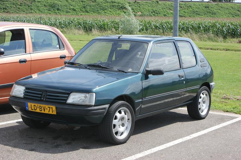 Peugeot 205 Forever 1.4i | Klik voor details
