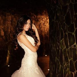 againts32 by Jhonny Yang - Wedding Bride