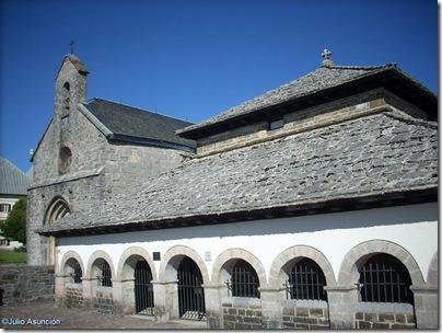 silo de Carlomagno y capilla Santiago