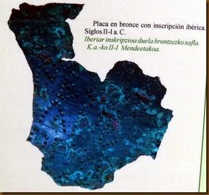 Placa de bronce con inscripción ibérica