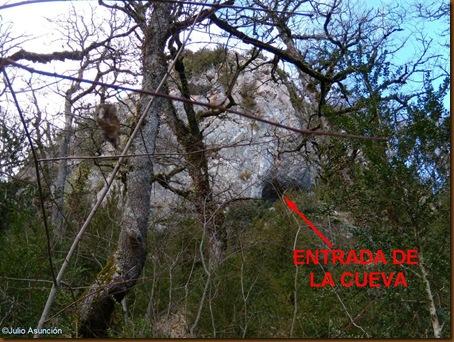 Paredón rocoso donde esta la cueva de Amenasillo 2 - Valle de Erro
