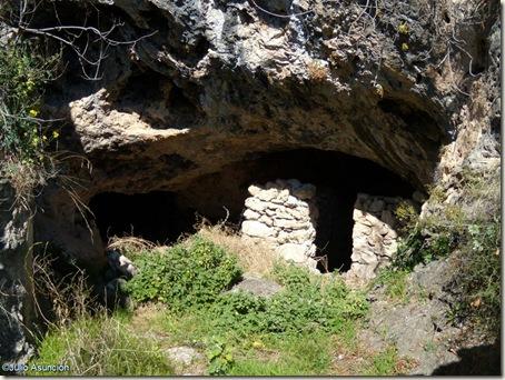 Cueva en el Barranco de Famorca