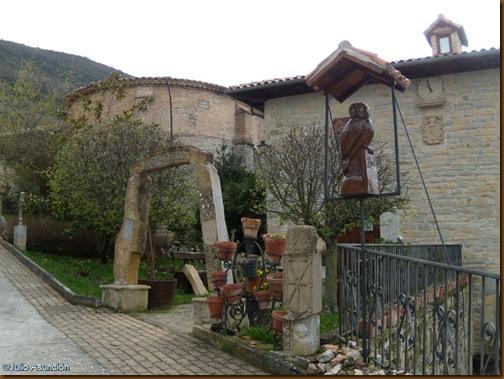 Palacete con esculturas - Guerendiáin