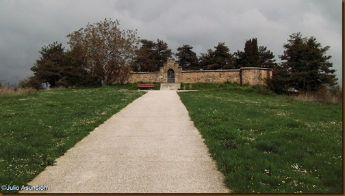 Cementerio antigua ermita de San Zoilo - Muru-Astrain