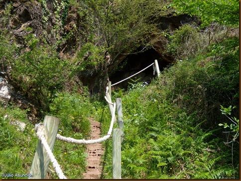 Cueva de Harpeko saindua (2)