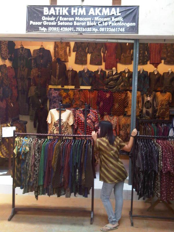 Pasar Grosir Batik Setono - Indonesia b4ec49dc18