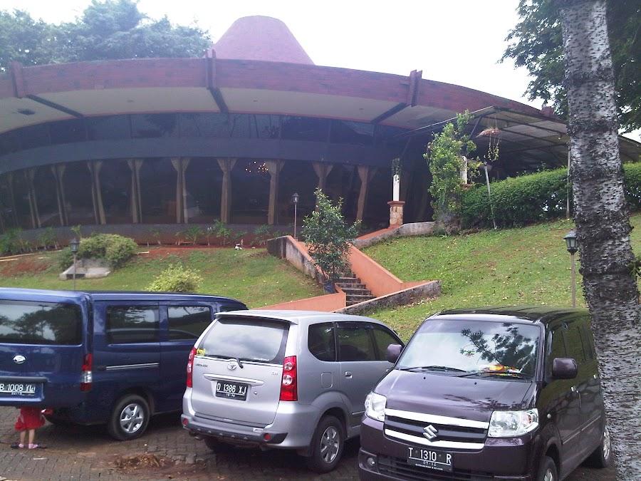 Puri Caping Gunung Bukan Ufo Indonesia