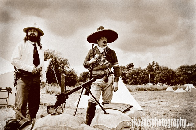 [DSC_2380 mexicani sepia.jpg]