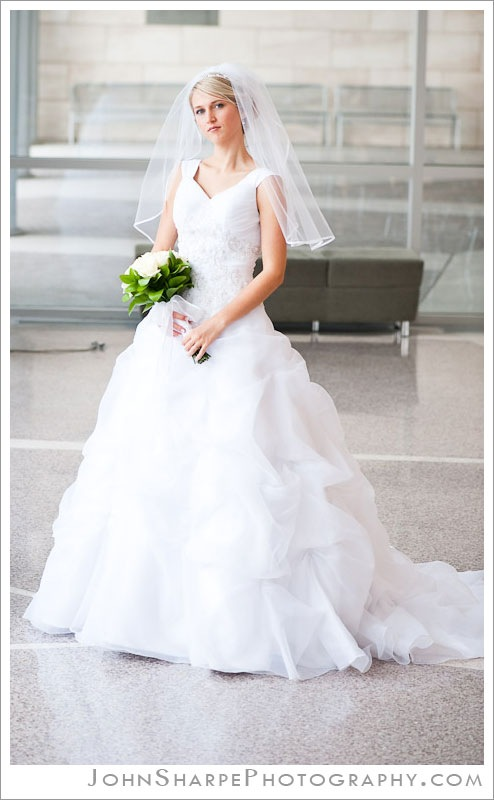 Elegant Utah bridal photography on BYU campus
