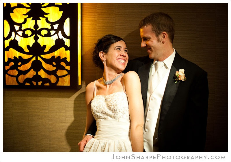 Minneapolis  Wedding Photography at Holiday Inn Metrodome