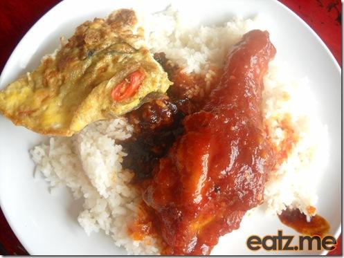 Ayam Merah And Telur Goreng [Eatz.me]