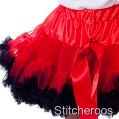 JGublersPhotography-20100805-Stitcheroos-030-Square-Skirt