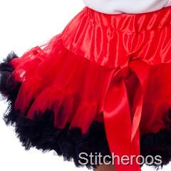 JGublersPhotography-20100805-Stitcheroos-030-Square-Skirt
