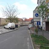 Pešia zóna, povolený vjazd dopravnej obsluhe, nie však cyklistom.