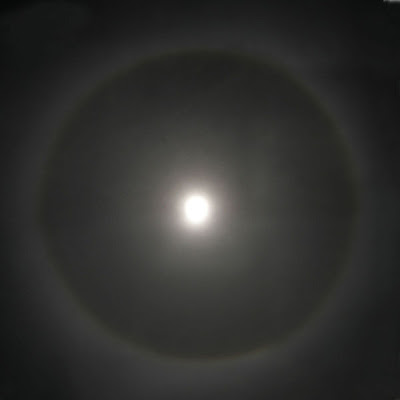 Halo_around_moon.jpg