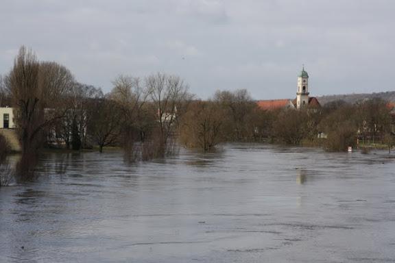 http://lh5.ggpht.com/_uzLsIJX7LLU/TTH6WUlaMKI/AAAAAAAACoQ/OPV1oFE6ZLw/s576/regensburg-hochwasser-15012011IMG_1398.JPG