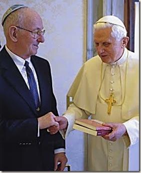 Benedicto XVI con el Rabino Neusner