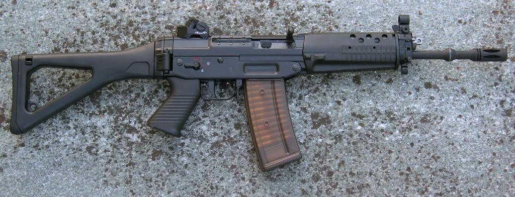 Pistolets-mitrailleurs : on n'en parle pas beaucoup ! DSCN1818edit