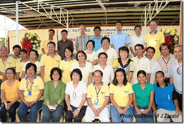The collaborating partners with SEAFDEC staff during the hatchery inauguration on April 28, 2010