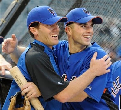 Who wouldnt kill to be the meat in a Nick Evans/David Wright sandwich? This was a doubly delicious photo!