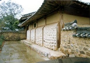Cheongdo Daemunchae Outer servant's quarters 01