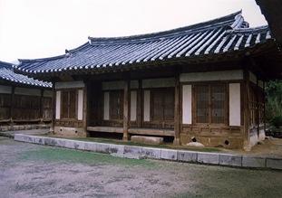 Cheongdo Jungsarangchae(Inner husband's quarters)