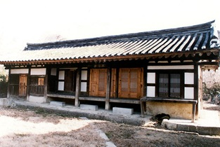 The housewife's quarters of Kim's house in Imdang, Cheongdo