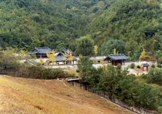 Chilgok Shrine of General Sin Yu