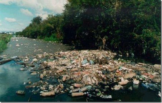 rio_poluido