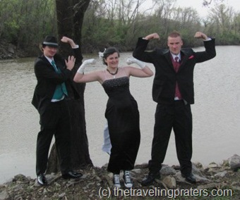 silly prom pictures