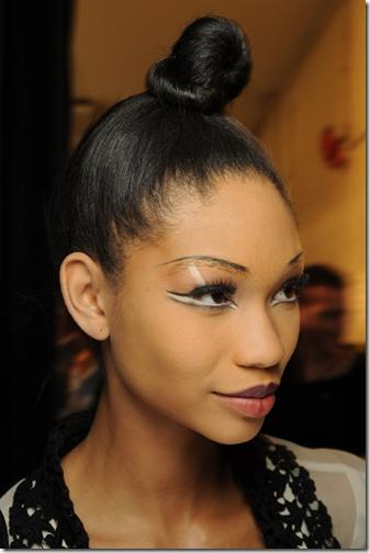 kesha glitter eye makeup. glittery eye makeup. glittery