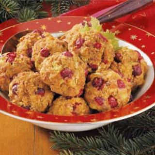 Turkey-Berry Stuffing Balls