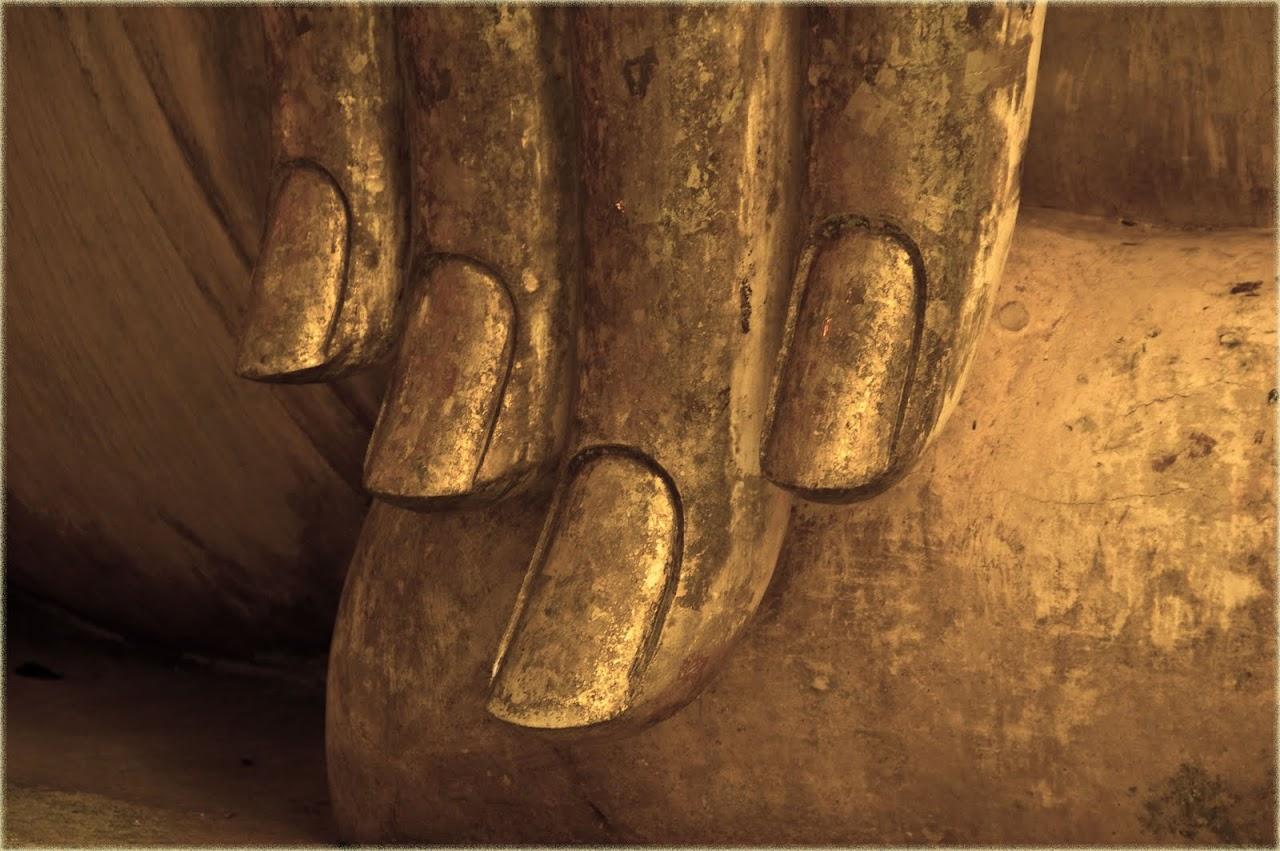 Wat Si Chum hand