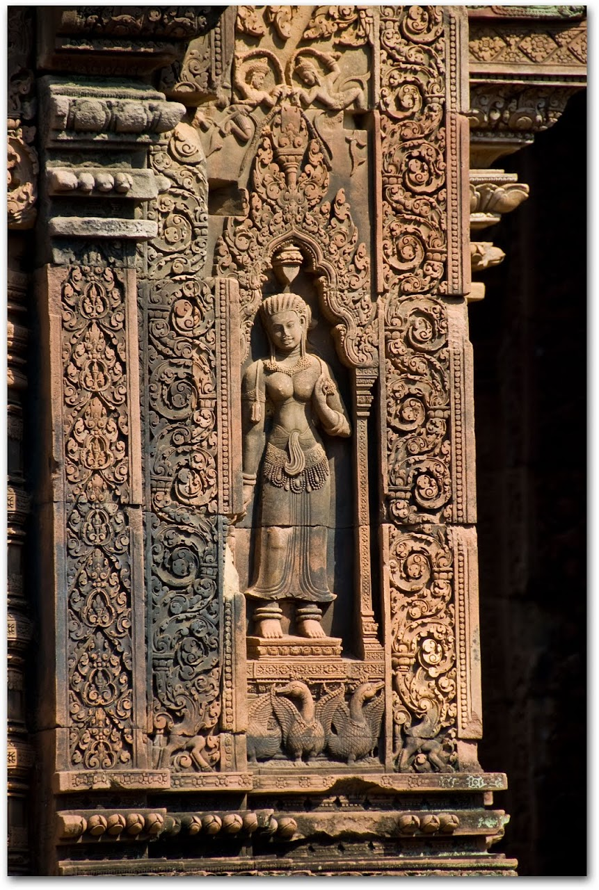 Apsara at Banteay Srei