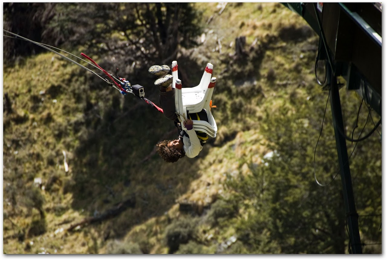 Canyon swinging over Shotover River